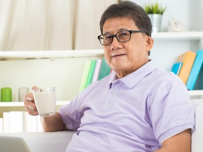 Lựa chọn dòng sữa phù hợp để hạn chế tình trạng cao huyết áp cho người trung niên