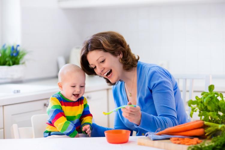 Bao lâu mẹ có thể cai sữa cho trẻ?