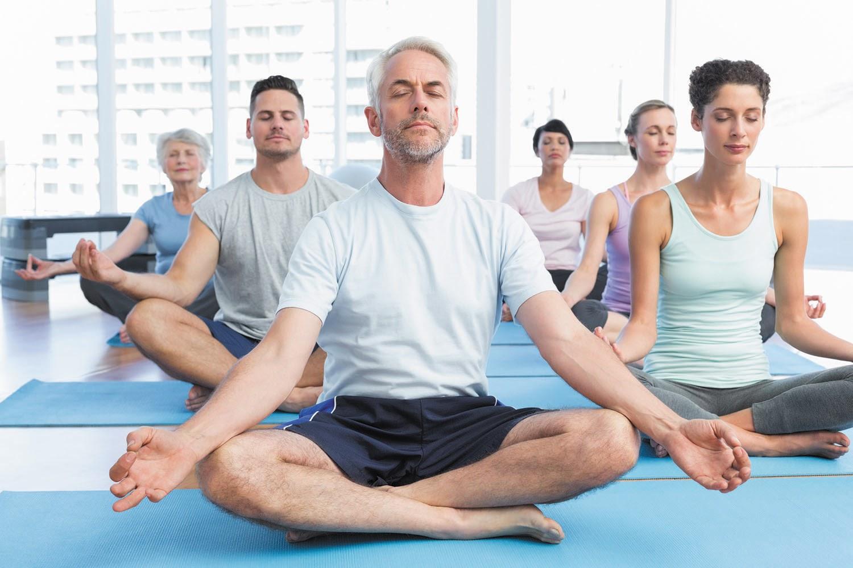 Yoga phù hợp với người già bệnh tim mạch bởi hoạt động thể lực không quá nhiều