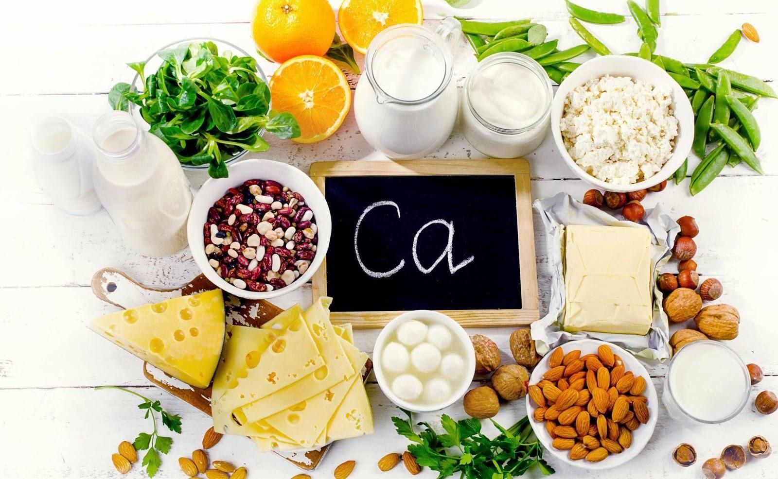 Chế độ dinh dưỡng và cách lựa chọn sản phẩm sữa phù hợp cho người loãng xương