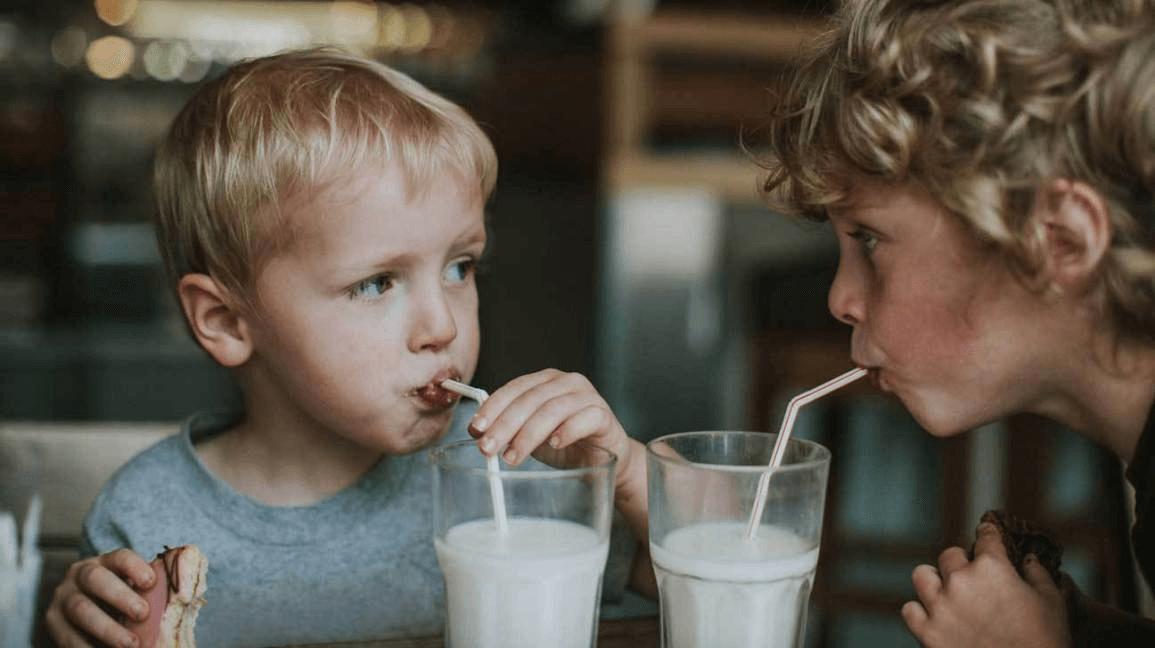Dị ứng đạm sữa ở trẻ có nguy hiểm không?