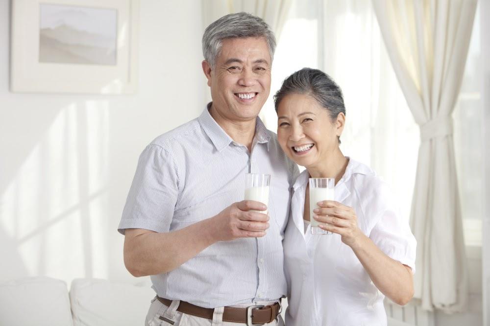 Các Loại Sữa Tốt Nhất Cho Người Già Bị Cao Huyết Áp