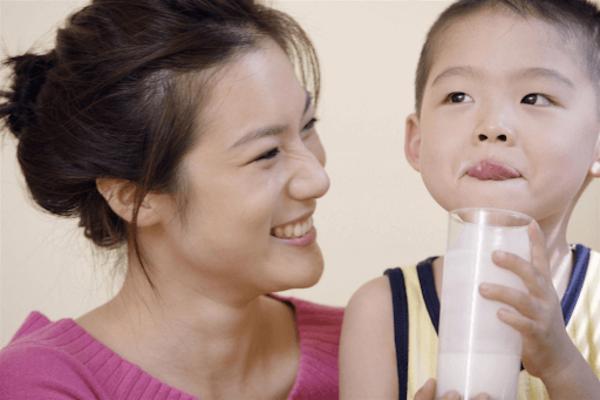 Bao lâu thì đổi được sữa cho bé?