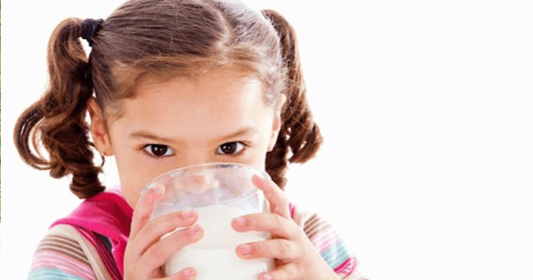 """Giúp Mẹ Giải Quyết Nỗi Băn Khoăn """"Có Nên Đổi Sữa Cho Bé""""?"""