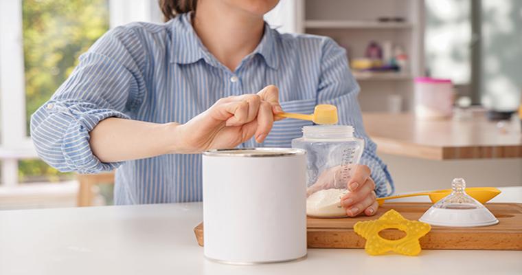 Mách Mẹ Cách Chọn Sữa Cho Trẻ Phù Hợp Nhất Và Lưu Ý Khi Pha Sữa Công Thức